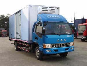 江淮骏铃排半冷藏车-厢长6.2米