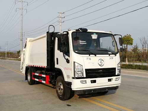 国五陕汽压缩式垃圾车