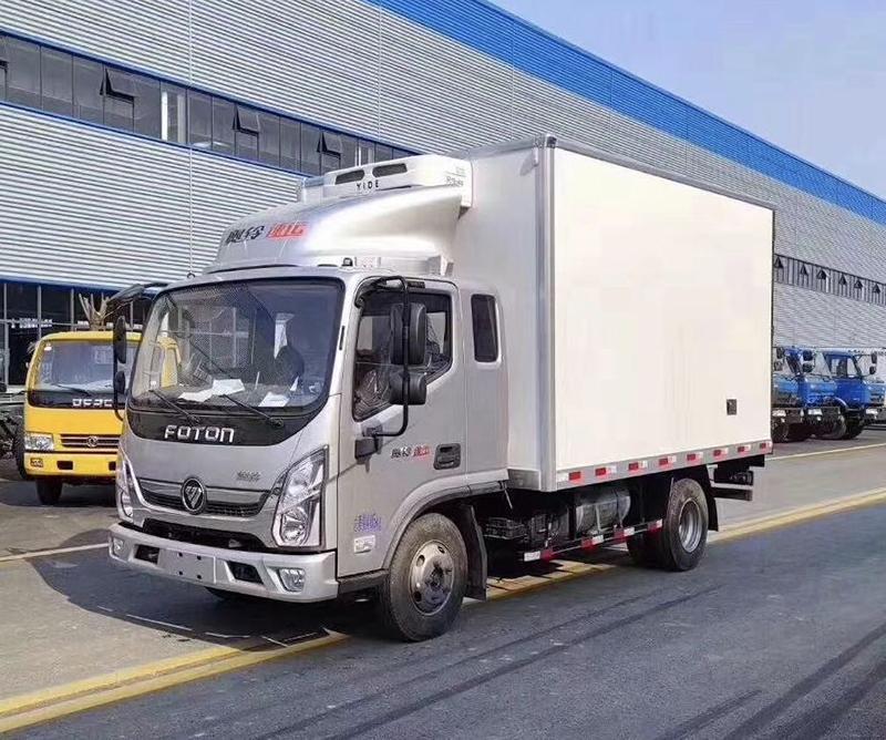 国六福田奥铃排半冷藏车-厢长3.7米